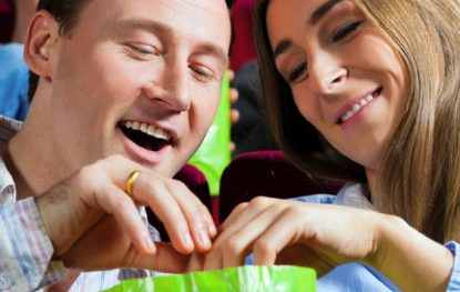 Tips for Eating Healthy While Watching Movies