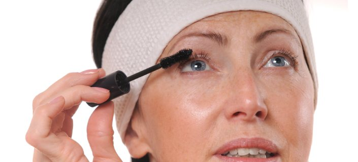 Normal For Eyelashes To Thin As We Age