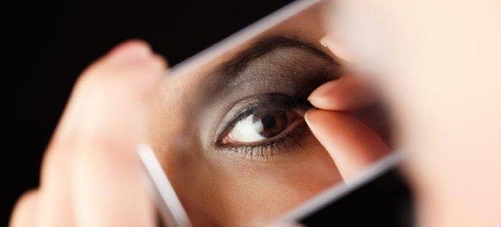 Pulling Off Eyelashes When Removing Make Up