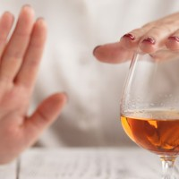 woman-refuses-to-drink-alcohol