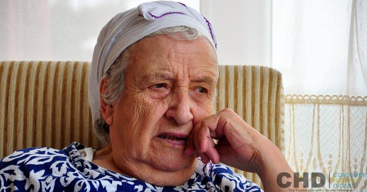 Cons Advances to Loot Elderly Patients