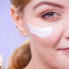 7 Ways to Moisturize Your Skin without Getting Zits