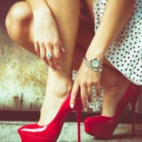 10 Reasons You Should Not Wear High Heels Anymore
