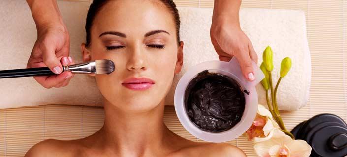 Apply Skin Whitening Mask