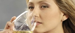 Liquor and White Wine Increase Rosacea Risk in Women
